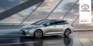 Vähän ajettu, automaattivaihteinen Toyota Corolla Touring Sports 2.0 Hybrid (teho 184 hv ja 135 kW) nyt vuodeksi käyttöösi hintaan 339 €/kk!  Auto vuodeksi -sopimus on helppo vaihtoehto autoiluun. Maksat kuukauserät tasaerin sopimusajalta ja palautat auton meille 12kk jälkeen. Sitoudut siis autoon vain vuodeksi. Voit myös sopimuskauden päätyttyä sopia jatkosta myyjän kanssa. Autoiluun liittyvät muut peruskustannukset kuten polttoaineet, vakuutukset ja vuosihuollon maksat normaaliin tapaan. Sopimuksen sisältyy 15 000 ajokilometriä. Lisätietoja löydät alla olevasta linkistä!  https://www.toyotaairport.fi/yritys/ajankohtaista/vahan-ajettu-corolla-ts-2.0-hybrid-huipputehoilla-nyt-vuodeksi-339-e2-82-ackk.html